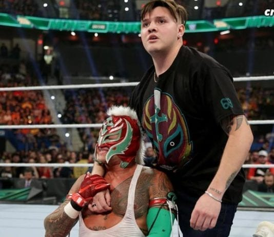 Rey Mysterio with Dominic MITB 2019, Rey Mysterio Injury MITB 2019